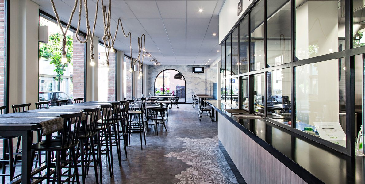 Marazzi cement tiles for the renovation of a restaurant
