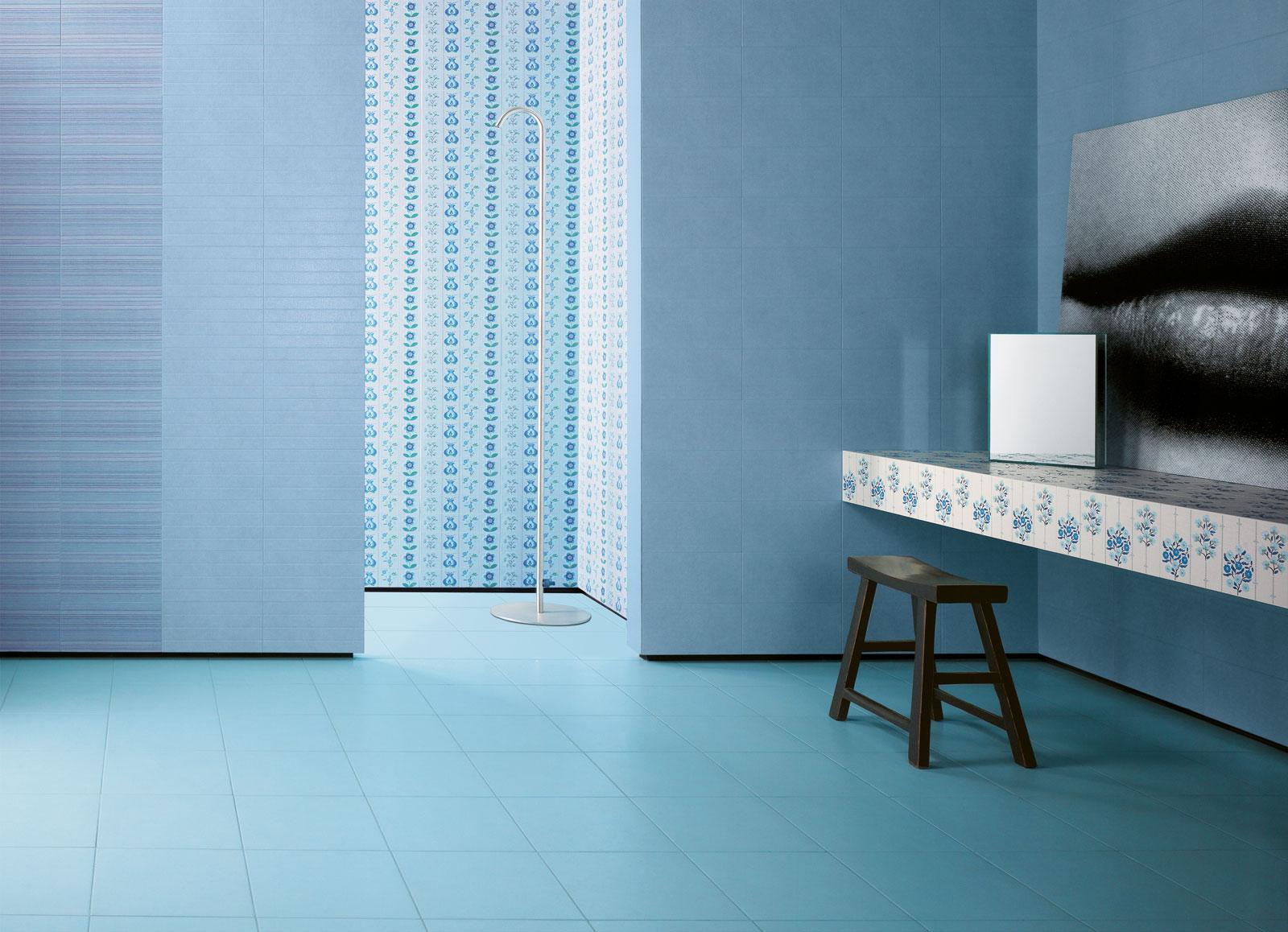 Faience salle de bain bleu ciel: salle de bains travaux. Étagère ...